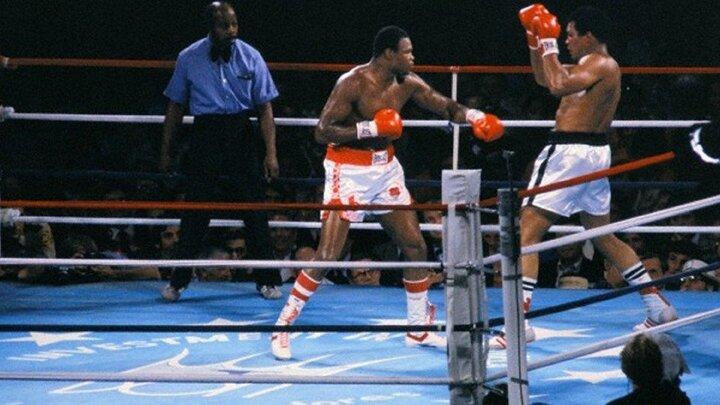 Giganternas kamp: Muhammad vs. Larry