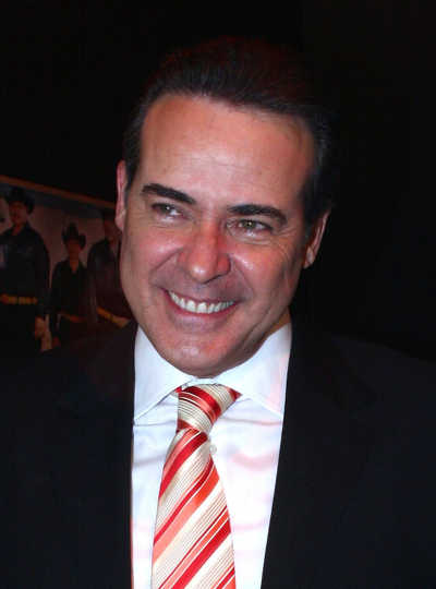 César Évora