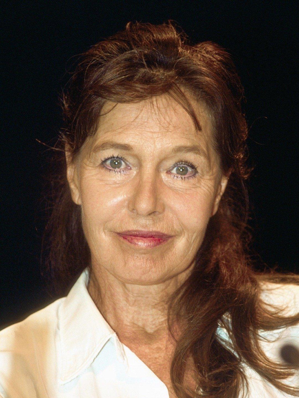 Eva  Renzi