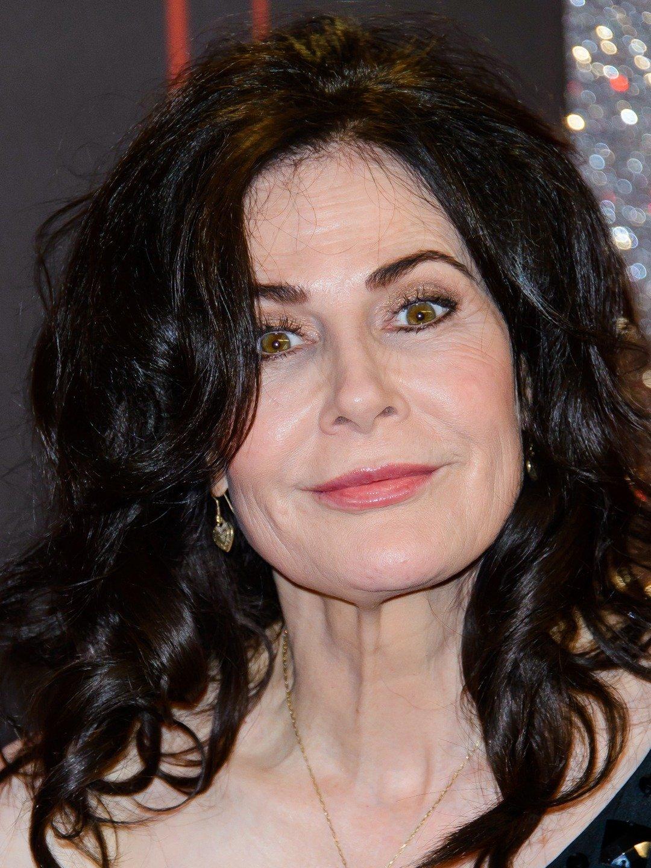 Sally Dexter
