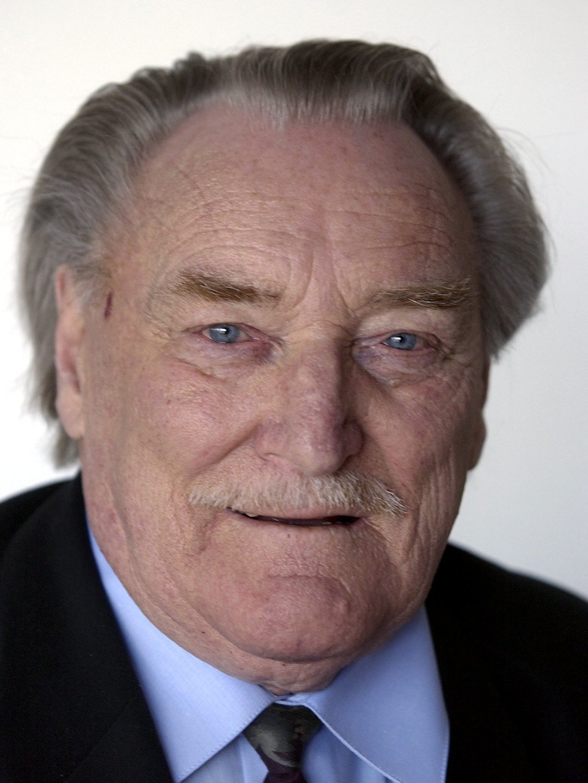 Åke  Lindman