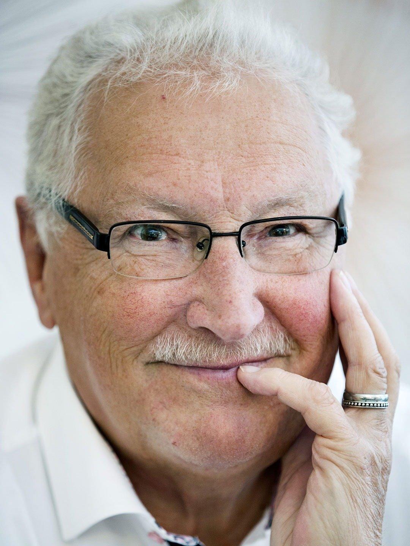 Magnus  Härenstam