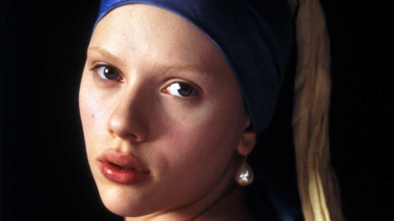 Flicka med pärlörhänge